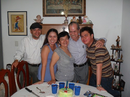 MI_FAMILIA._._._.jpg