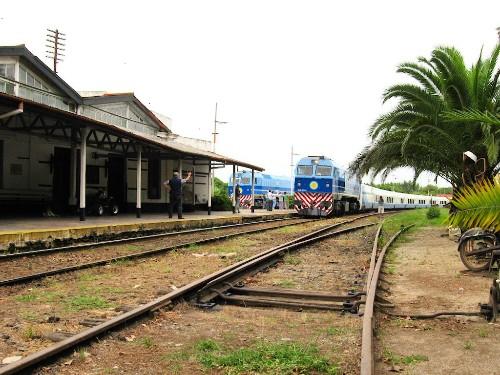 El_tren_cuando_llegamos.jpg