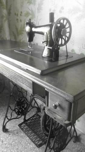 maquina_de_coser-baja.JPG